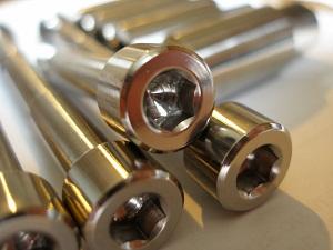 Titanium M8 skt cap bolt heads
