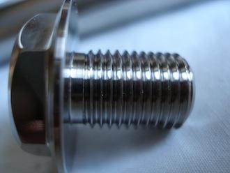 Honda RC45 titanium front wheel spindle bolt thread, 14x1.5