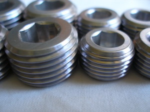 Kawasaki ZXR 7075 alloy engine plugs, coated