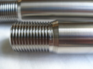 Montessa titanium front wheel axle thread