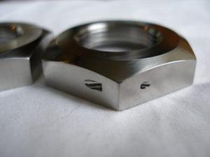 Yamaha R1 titanium gYamaha R1 titanium gearbox sprocket lockwire hole