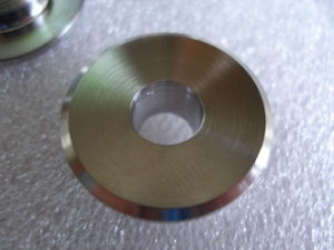 Titanium Honda 4 racing valve retainers, top, with collet angle