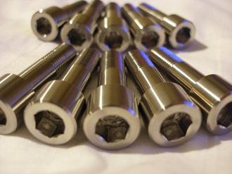 Yamaha R6 titanium sprocket drive bolts for BST wheel