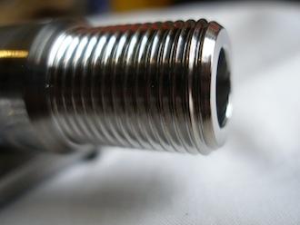 Yamaha R1 titanium axle thread