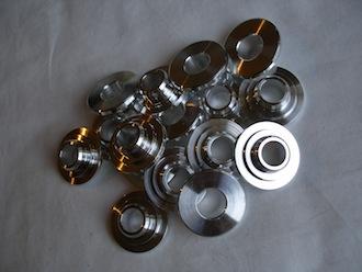 Daimler 7075 alloy valve retaining caps