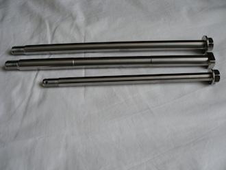 Yamaha RD350 titanium spindle set