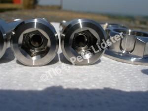 Yamaha R1 titanium M12x1.25 bolt head, 10mm socket, M6 tapping